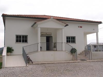 Junta de Freguesia de Rio de Couros e Casal dos Bernardos