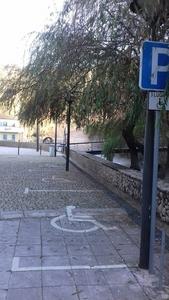 Estacionamentos para pessoas com mobilidade reduzida