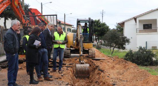 Requalificação de ruas e saneamento em Moimento