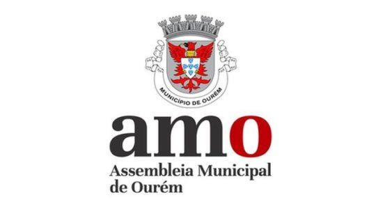 Assembleia Municipal de Ourém suspende sessão extraordinária