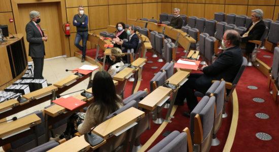 Câmara Municipal cede equipamentos informáticos aos alunos do concelho