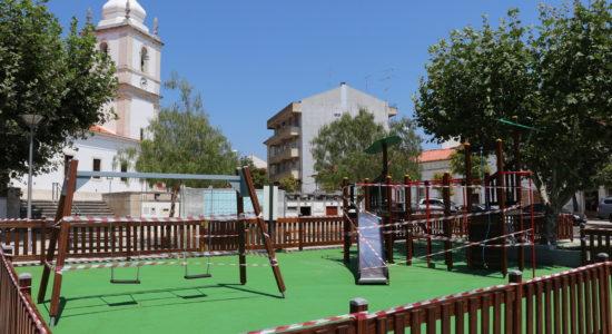 Reabilitação dos parques infantis de Ourém