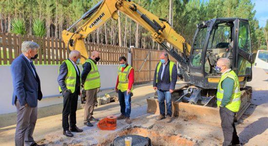 Câmara Municipal realiza visita às obras de saneamento em curso